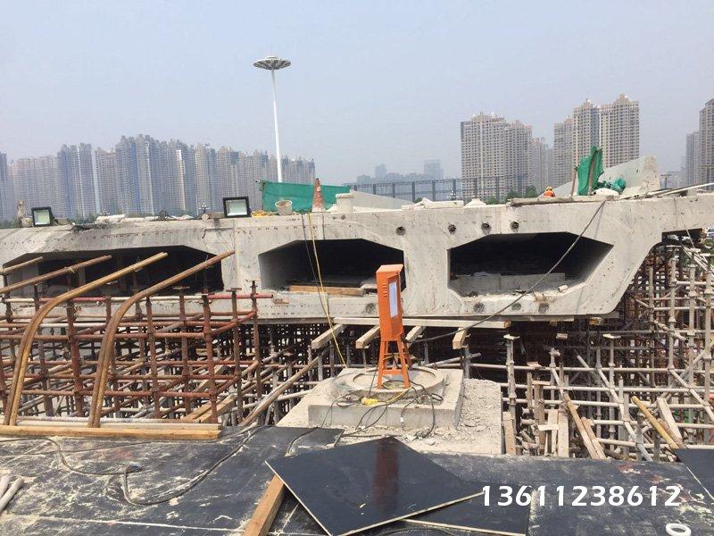 北京桥梁切割:铁路绳锯支撑梁切割都是事先安排好切割顺序